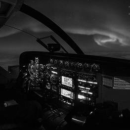 Volar entre el ocaso y el orto en condiciones VFR. Con la habilitación VFR-N tanto PPL como CPL podrán disfrutar del vuelo nocturno.